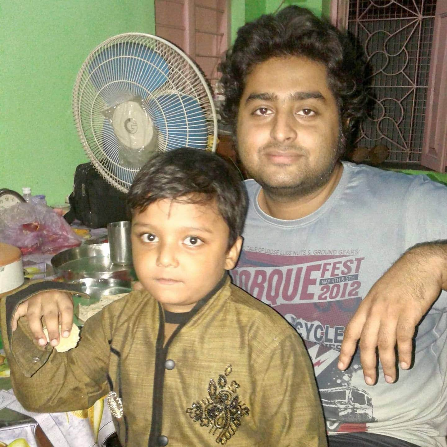 Arijit Singh Rare Unseen, Family, Personal Photos | Picture 18