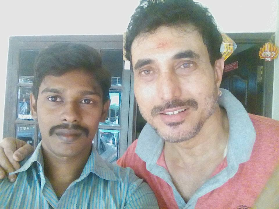 Satya Prakash With Fans   Picture 1