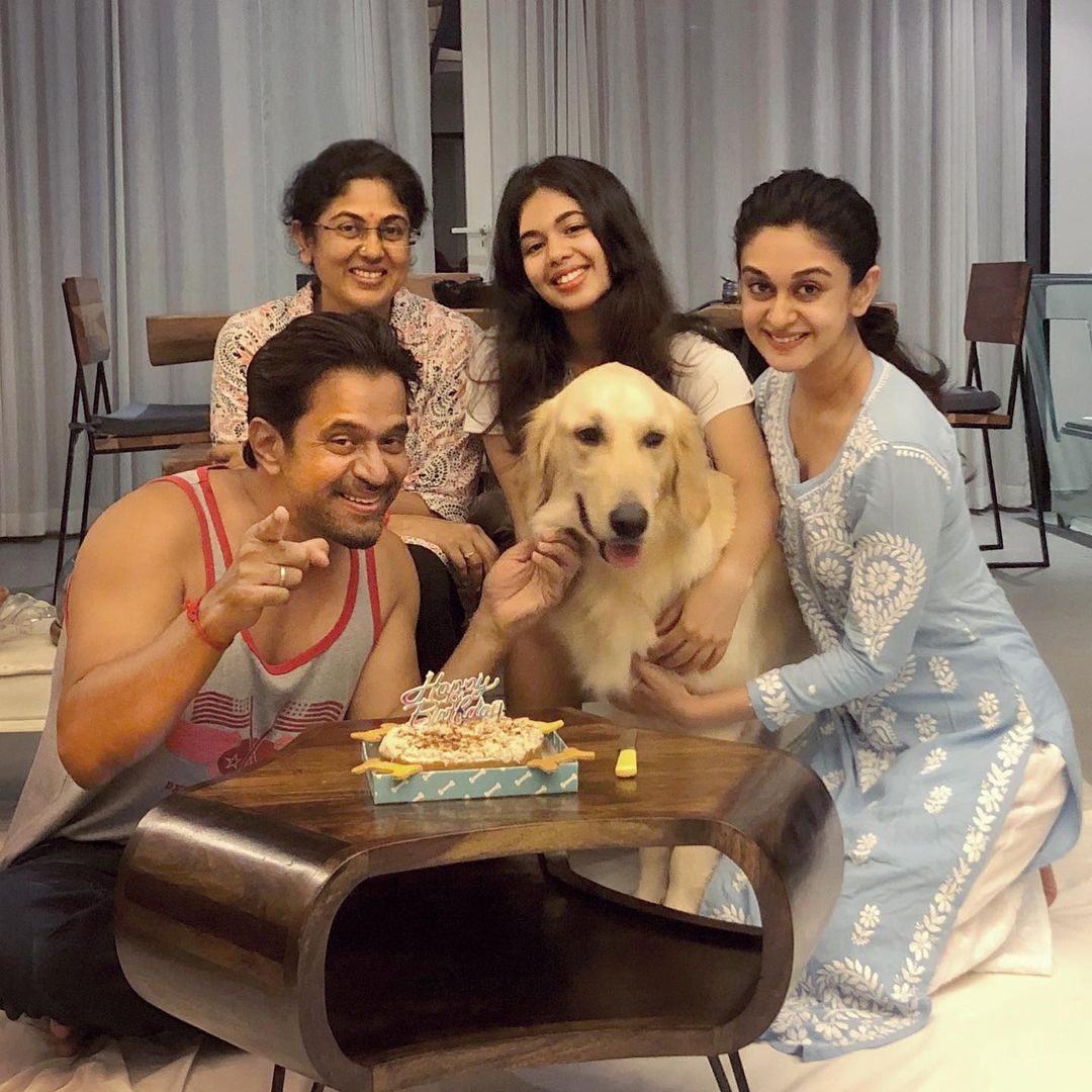 Arjun Sarja With Family | Picture 8