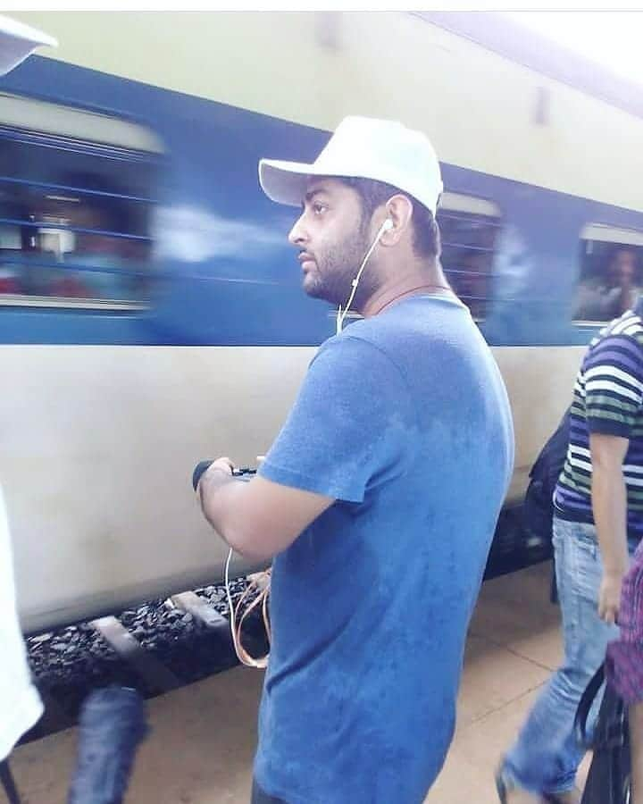 Arijit Singh Rare Unseen, Family, Personal Photos | Picture 17