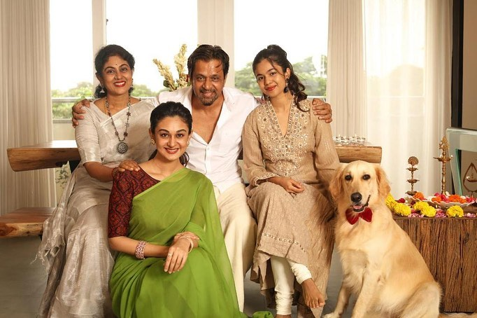 Arjun Sarja With Family | Picture 10