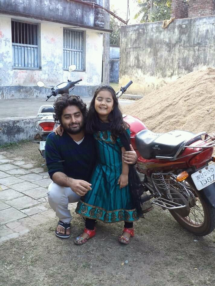 Arijit Singh Rare Unseen, Family, Personal Photos | Picture 13