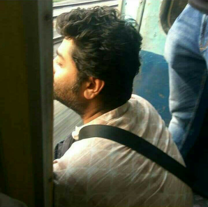Arijit Singh Rare Unseen, Family, Personal Photos | Picture 9