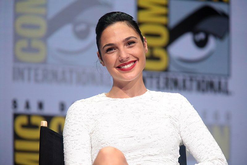 Gal Gadot Biography – Early Life, Wife, Movies, Family & Net Worth