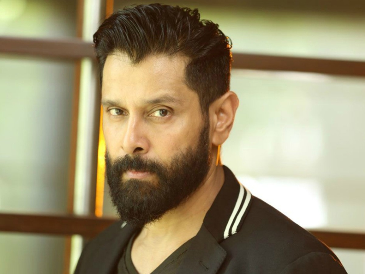 Vikram Biography – Early Life, Movies, Family & Net Worth