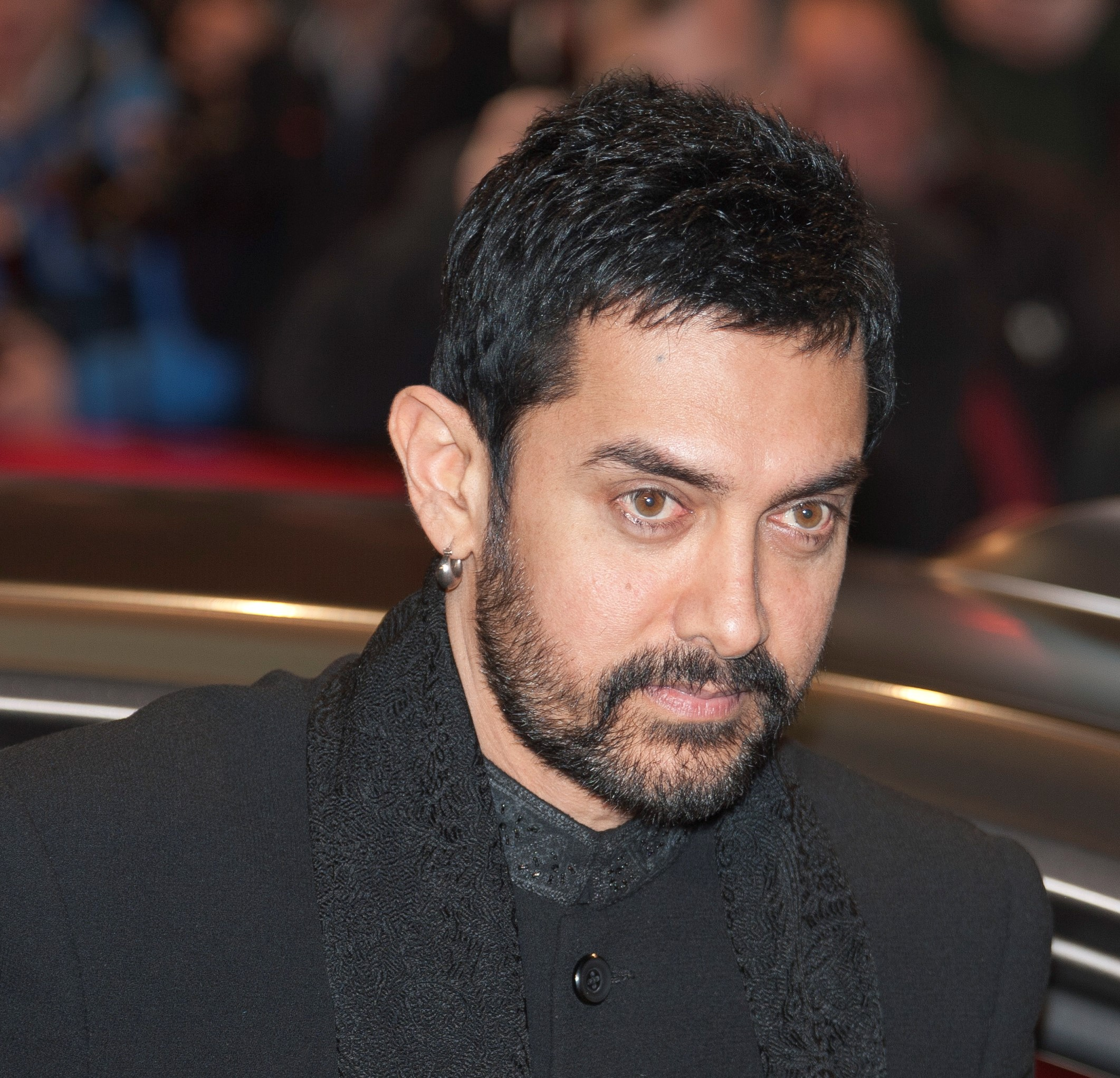 Aamir Khan Biography – Early Life, Movies, Awards, Family & Net Worth
